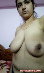 Big boobs indian girl nude photos 005