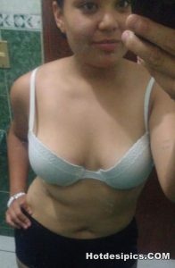Indian teen nude selfies leaked 005