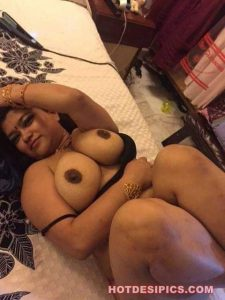 Gujrati bhabhi nude photos 001