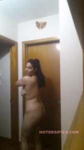Indian wife nude leaked photos 017
