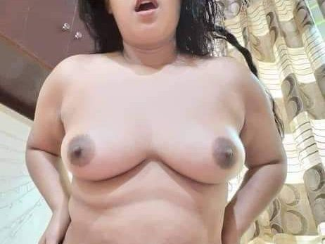 Indian girlfriend nude 012