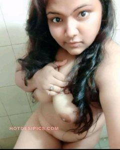 Indian teen nude selfies 008