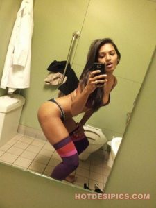 Sexy doctor washroom mein naked selfies lete hue 014