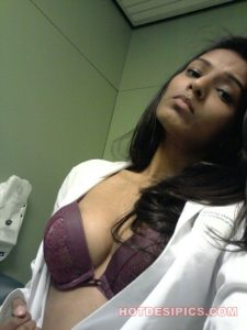 Sexy doctor washroom mein naked selfies lete hue 021