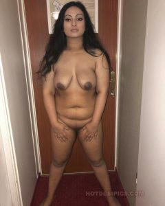 Sexy nri nisha ke adhbut nude photos part lll 012