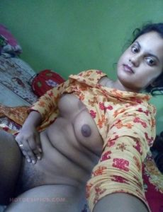 Village kamuk ladki ke boobs aur bur photos 004