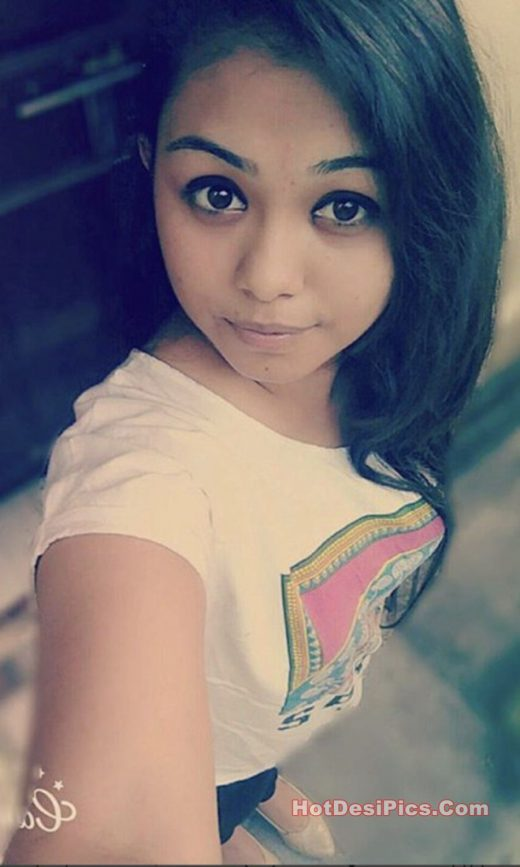 Sweet desi teen ke hostel se nude photos leaked