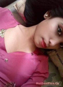 Assamese teen with small tits leaked selfies