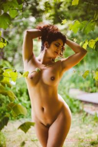 Sexy bomb nri model nude photos professional collection 018