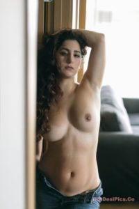 Sexy bomb nri model nude photos professional collection 028